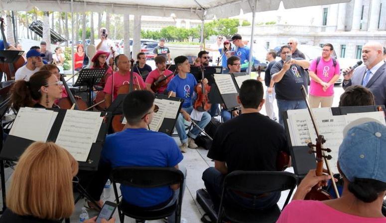 La Sinfónica de Puerto Rico protesta