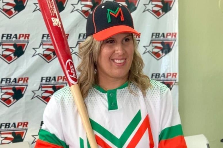 Una mujer jugará de primera base en el béisbol masculino de Puerto Rico