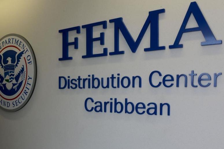 Federales investigan alta funcionaria de FEMA