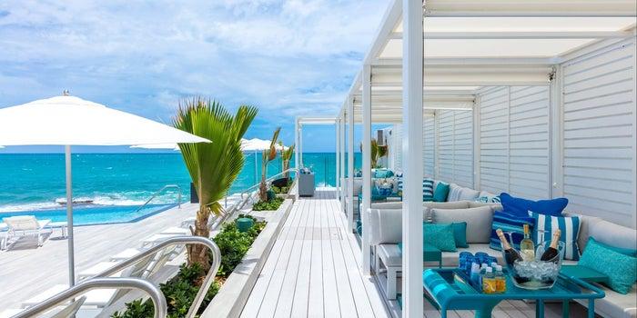 El primer nuevo hotel que abrió en Puerto Rico después del huracán María