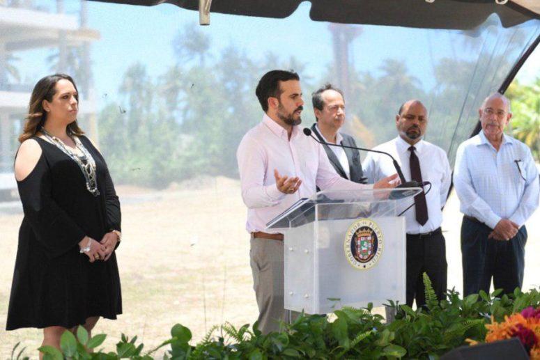 Gobernador inaugura millonario proyecto de vivienda