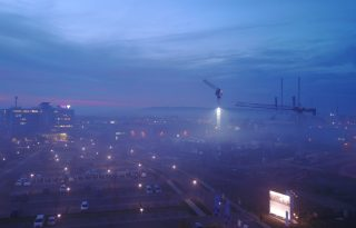 Industriegebiet in Erfurt Nord/Herbstnebel am Abend
