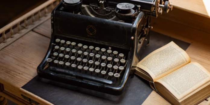 Das Zehnfingersystem: Volkshochschulkurse für schnelles Schreiben am Computer