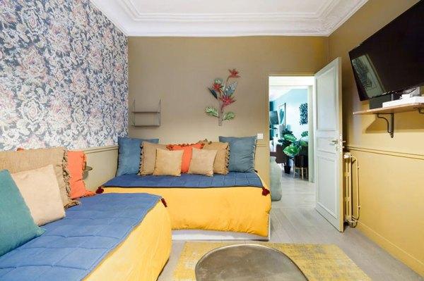 Цветной Париж: яркая квартира, которую можно арендовать на ...