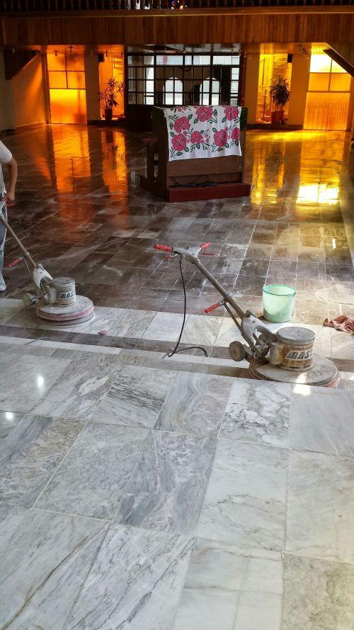 Pulido de piso de marmol Santl Tomas
