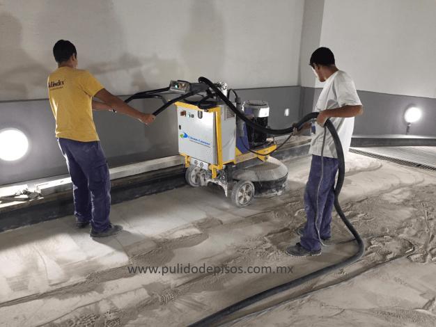 desbastado de piso de concreto