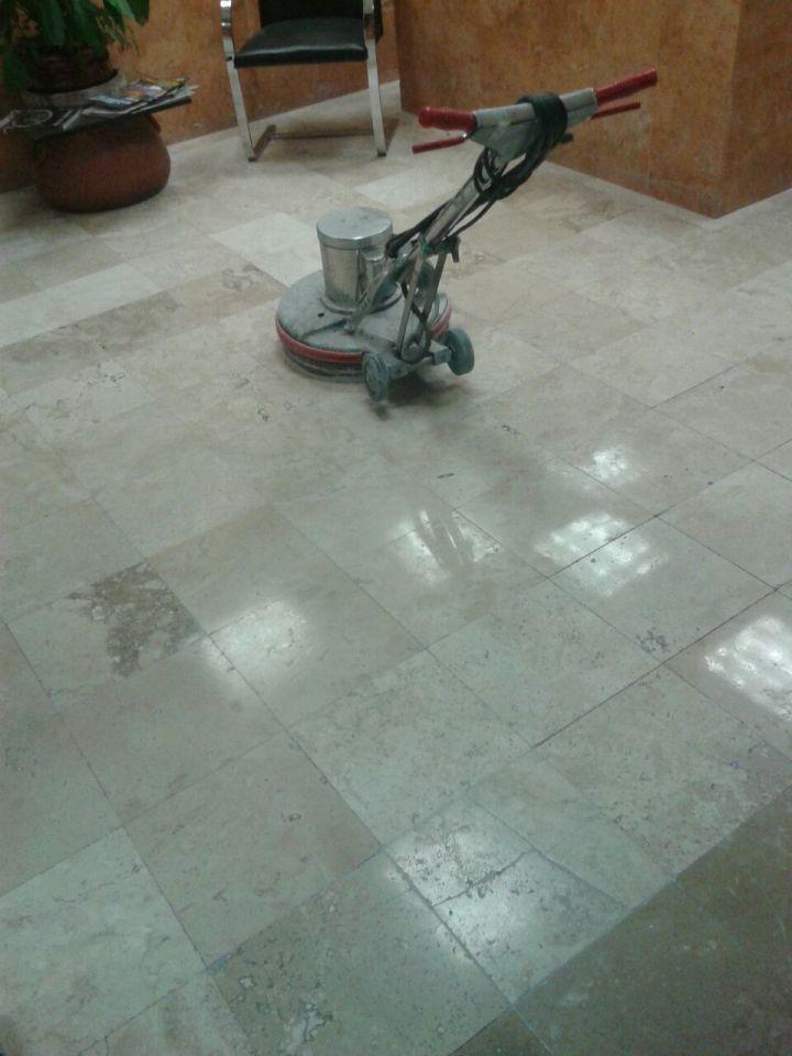 pulir y abrillantar pisos de mármol