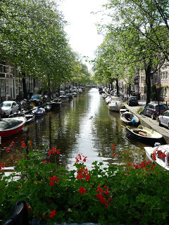 A canal in the Jordaan area of Amsterdam (source - Pulped Travel)