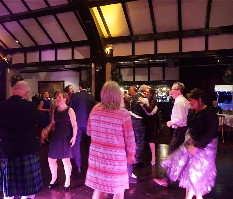 Pulse wedding band Ayrshire & Glasgow in Brig O' Doon Ayrshire people dancing on busy dance floor