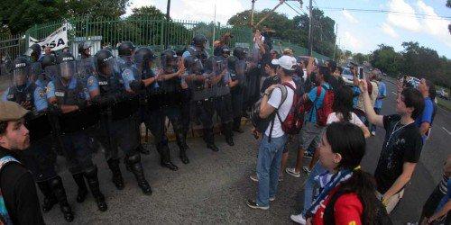 Documentalista somete mandamus para obtener grabaciones policiacas de huelga UPR