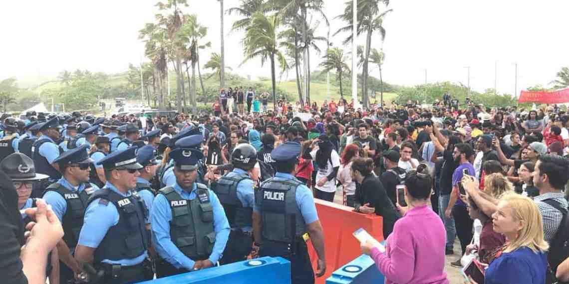 Caldeados los ánimos en manifestación por auditoría de la deuda