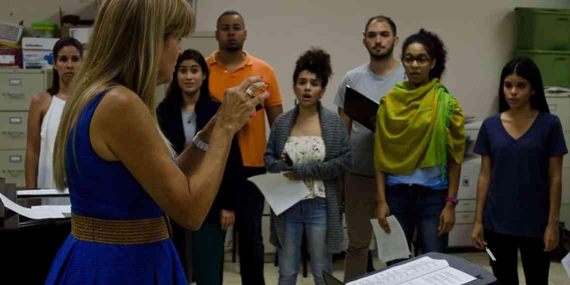 Coralia UPR se prepara para competencia prestigiosa en Italia