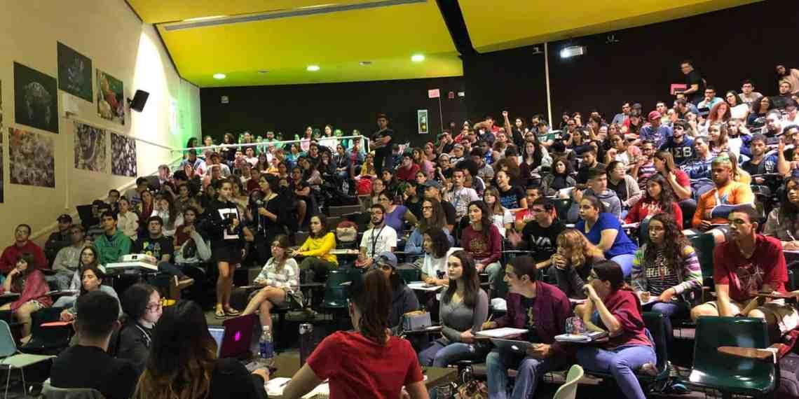 Estudiantes de Ciencias Naturales se oponen al Plan Fiscal de la UPR