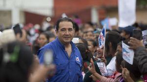 Jimmy Morales, que asumió hace nueve meses la presidencia de Guatemala, ha reiterado su confianza en su hijo y su hermano.(Pie de foto e imagen desde portal www.voanoticias.com)