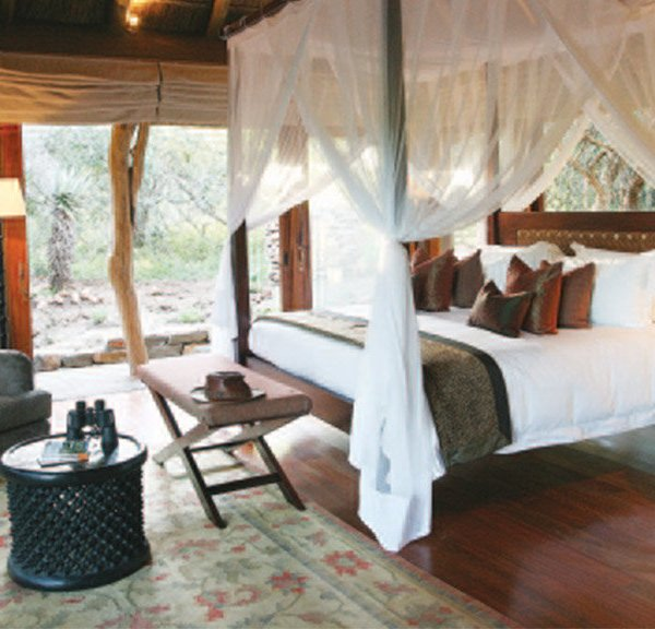 Pumba Msenge Bush Lodge  Chalet Private Room