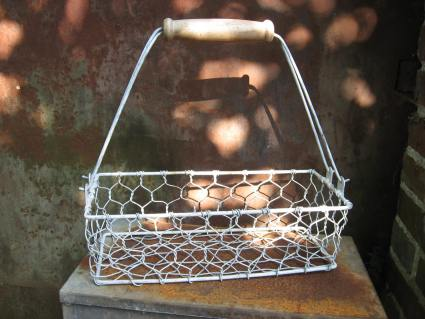 French wire metal basket with handle at PumpjackPiddlewick