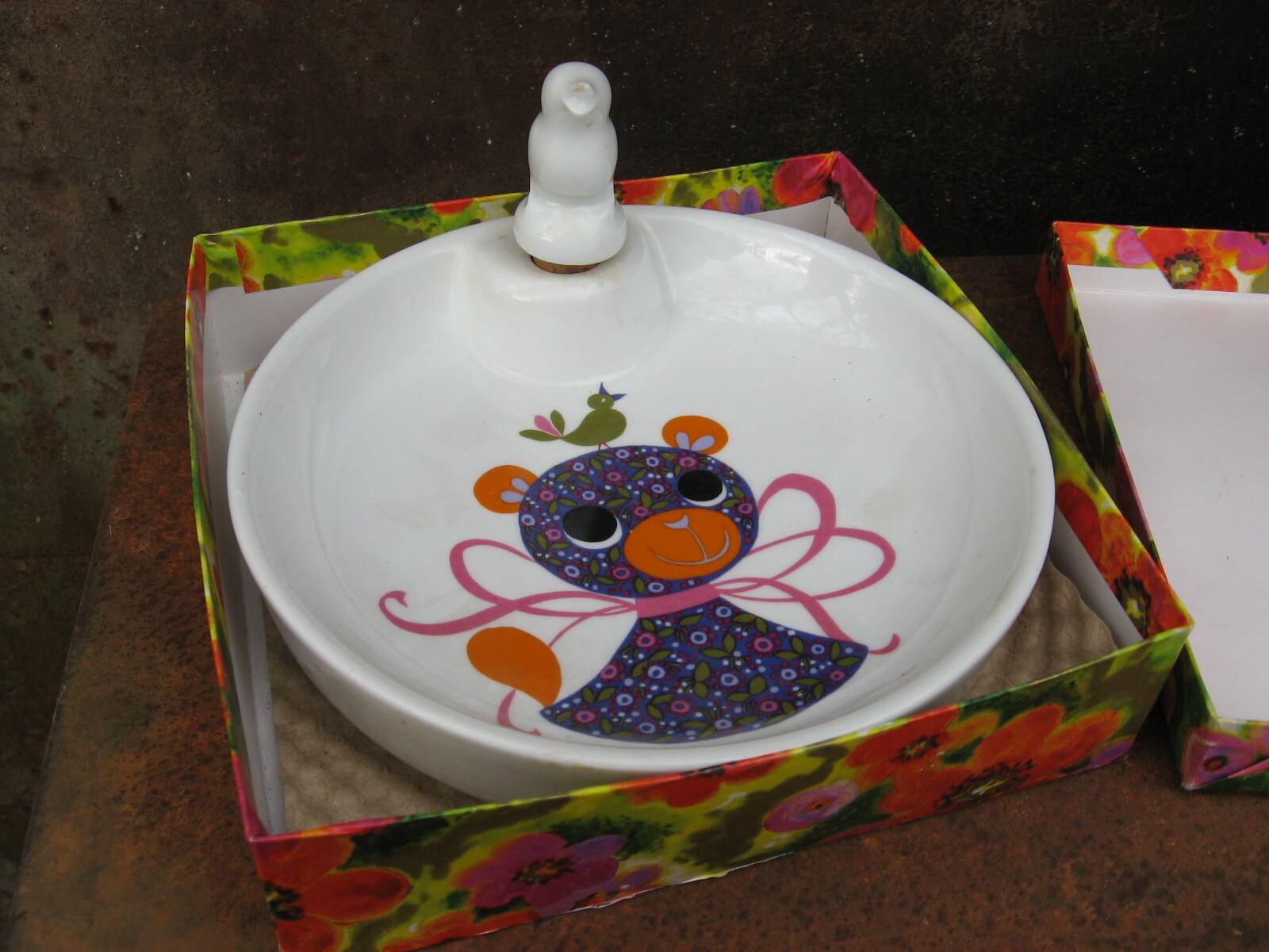 childs heated food bowl cat and bird at PumpjackPiddlewick