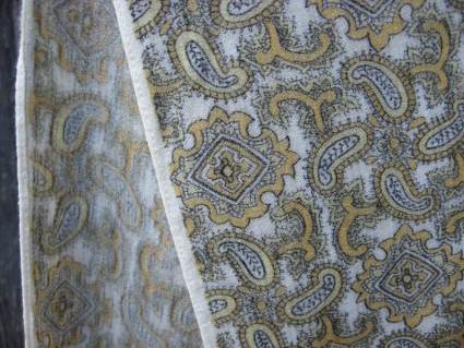 Mens vintage wool scarf cream gold paisley at PumpjackPiddlewick