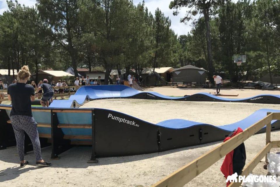 ucpa pumptrack camp montalivet 1 - Réalisations pumptracks modulaires