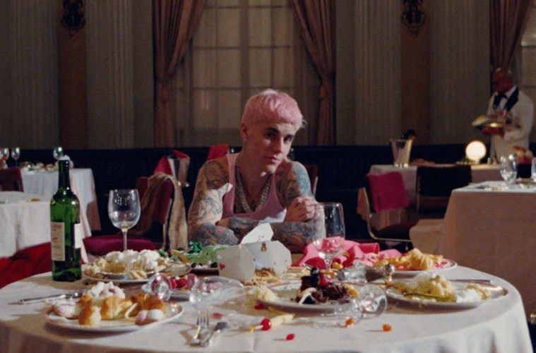 Justin Bieber – Yummy (Official Video)