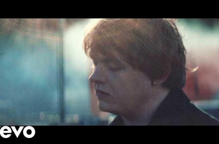 Lewis Capaldi – Bruises (Official Video)