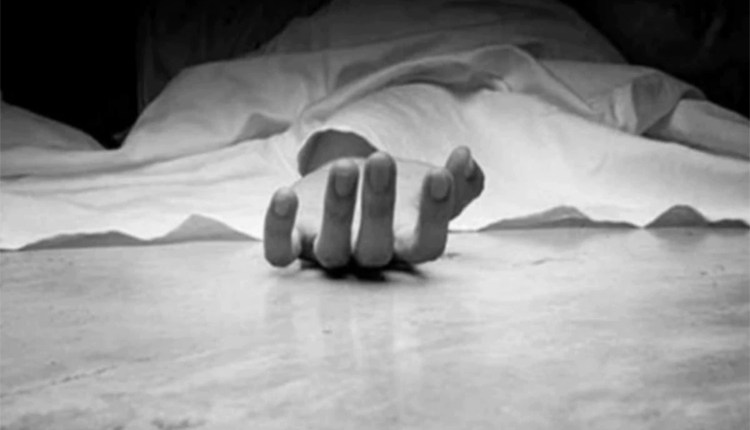 Akola | 2-accused-enters-in-destitute-old-woman-home-killed-her-and-stole-jewelry-akola