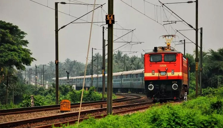 indian-railways-trains-canceled-by-konkan-railway-and-south-western-railway-due-to-rains-will-be-restored