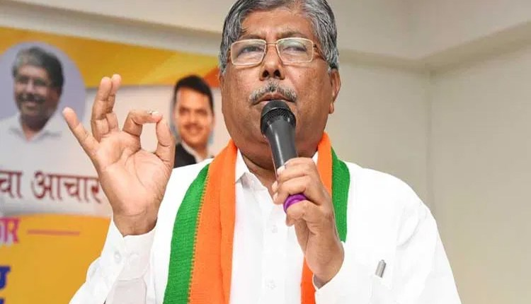 Chandrakant Patil | Sharad Pawar should not accept Centre's offer, not so raw players - Chandrakant Patil News in hindi