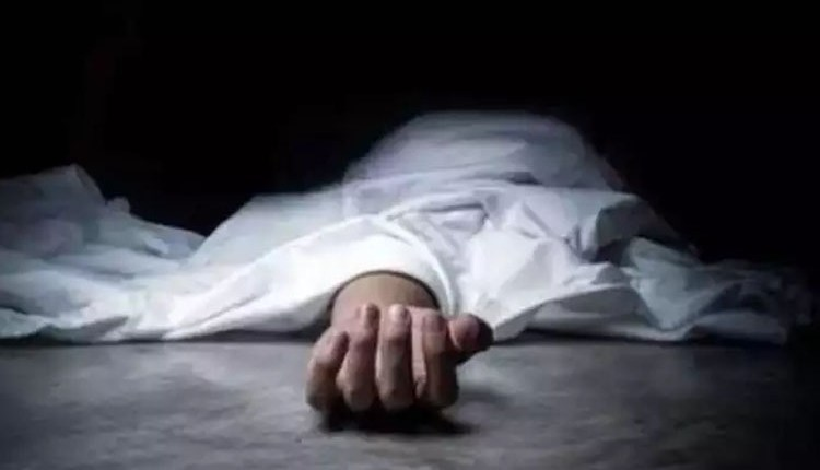 pune-due-to-job-loss-in-dattawadi-pune-visited-the-temple-after-this-the-young-man-ended-his-life-by-attacking-himself