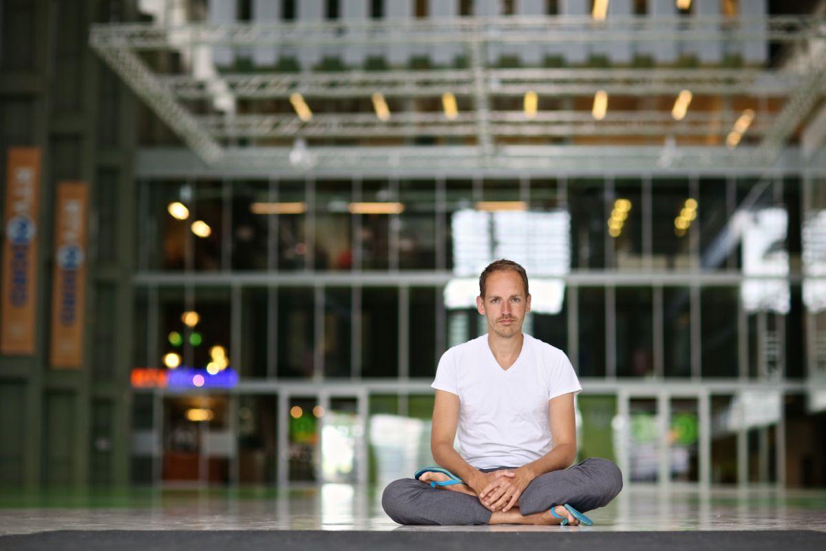 Mark Vletter yoga