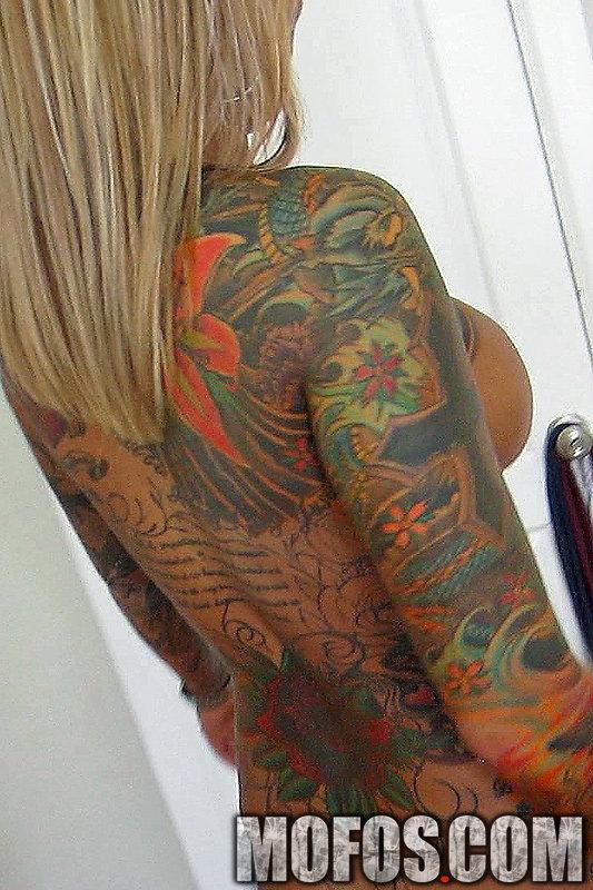 Britney Shannon I Know That Girl tattooed inked tattoos alt scene pierced clit busty big fake tits cum jizz on my tatts