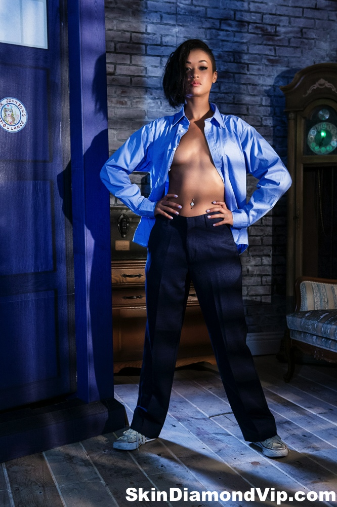 skin diamond doctor who small tits alt black cosplay sexy