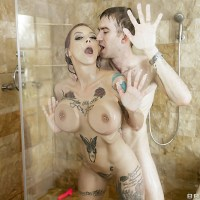Anna Bell Peaks is the Slut in the Shower