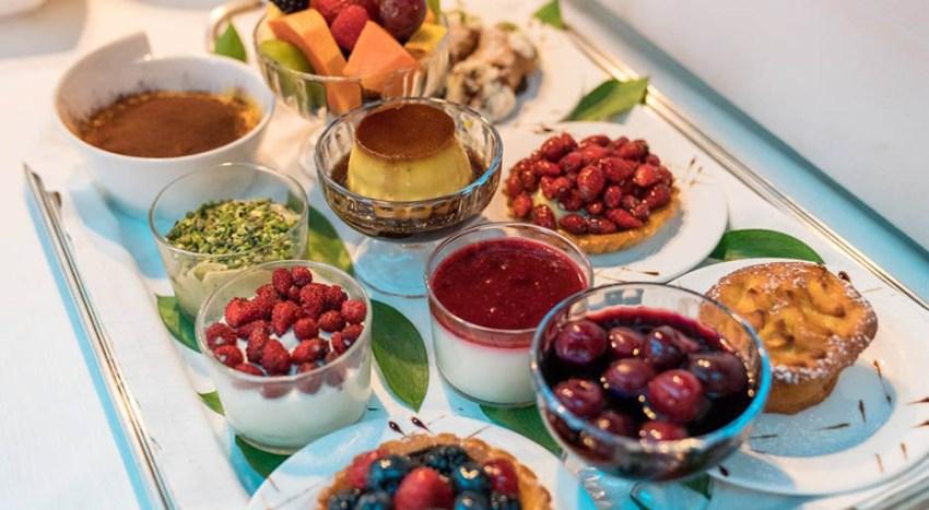 Da Mamma Rosa i dessert si scelgono dal vassoio