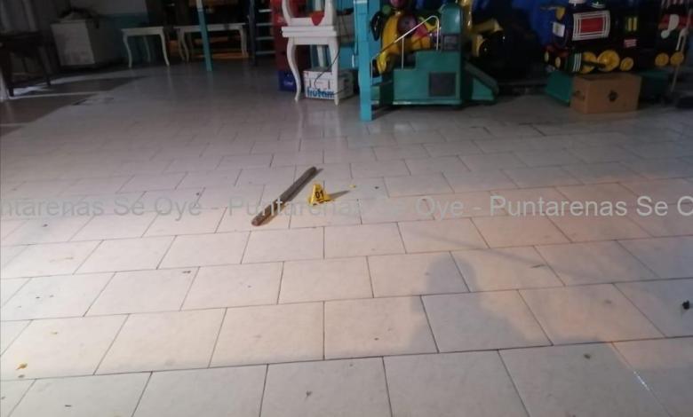 Photo of Hombre muere tras recibir varios golpes en Puntarenas