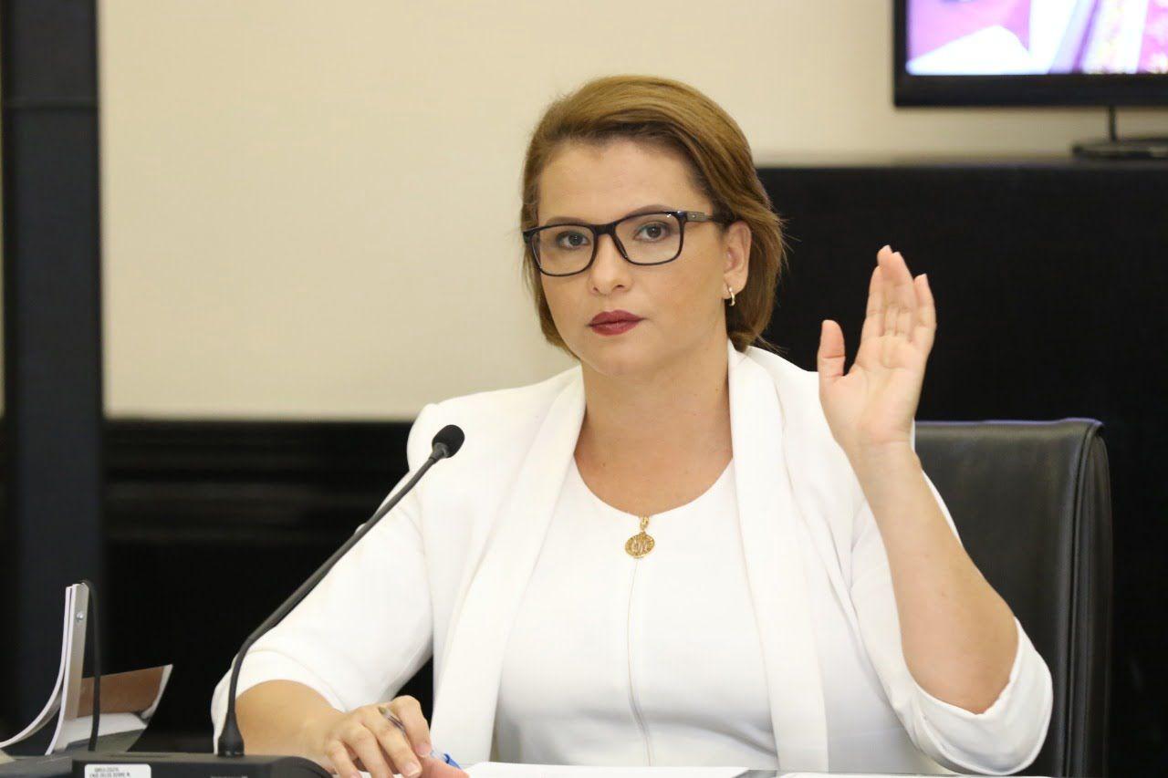 Photo of Carmen Chan: Que ni se le ocurra a Carlos Alvarado llegar a Puntarenas con más impuestos y sin proyectos