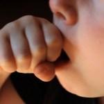 Tosse nei bambini: quali possono essere le cause?