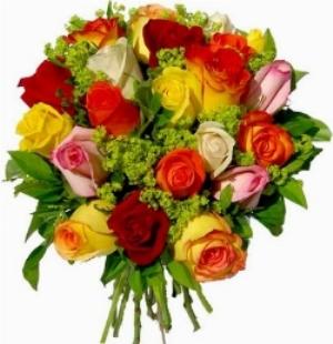 mazzo con rose miste colorate