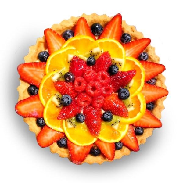 crostata alla frutta con frutti di bosco