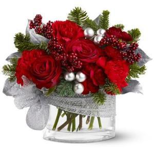 composizione elegante Natalizia con rose rosse