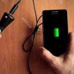 Truco – experimento para obtener carga de emergencia para tu teléfono