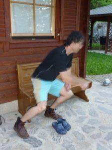 scatto fulmineo con scarpe tecniche