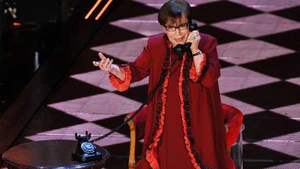 """Stasera in TV: """"A MovieMag omaggio a Franca Valeri"""".  Rai Movie (canale 24) festeggia l'attrice dopo il David Speciale 2020"""