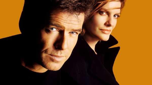 """Stasera in TV: """"Gioco a due"""" su Rai Movie (canale 24) - Un thriller con Pierce Brosnan e Rene Russo"""