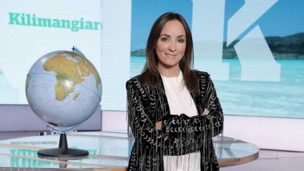 """Oggi in TV: """"Domenica In"""" su Rai1 con Mara Venier - Tra gli ospiti: Romina Power, Cristiano Malgioglio e Enrico Papi"""
