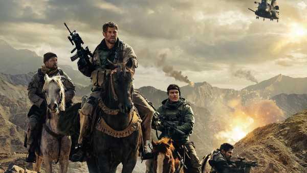 """Stasera in TV: Chris Hemsworth in """"12 Soldiers"""" su Rai4 (canale 21) - Un action-drama tratto da una storia vera"""