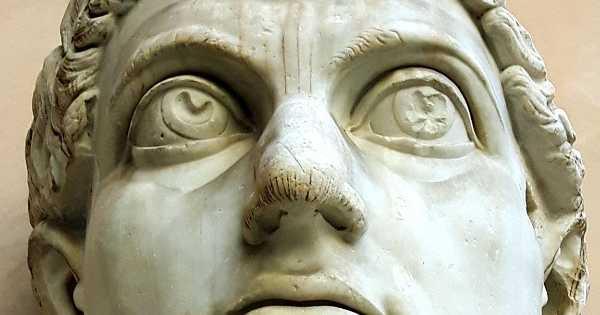 CuriosArte: I colossali resti di un imperatore