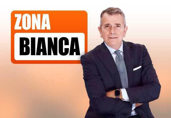 """Stasera in TV: A """"ZONA BIANCA"""" il dibattito sull'uso esteso del Green Pass, la polemica sui leader non vaccinati e il DDL Zan"""