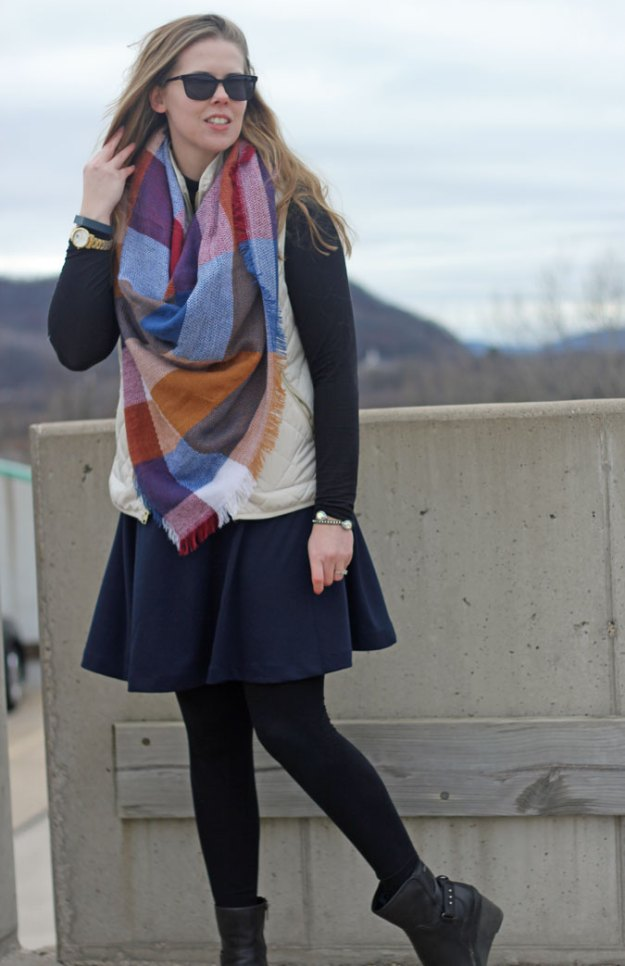navy-skirt-black-turtleneck-cream-vest-blanket-scarf-2