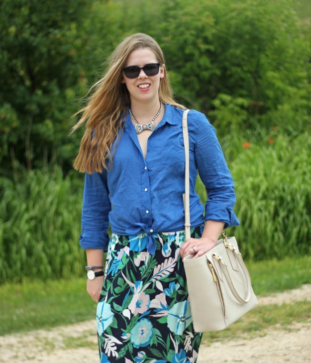 floral-maxi-skirt-lilly-pulitzer-camp-shirt-loren-hope-bow-necklace-2